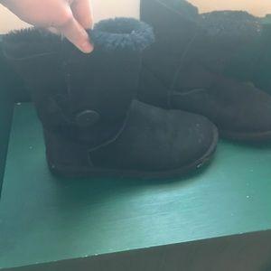 UGG women's bailey button short black winter boots